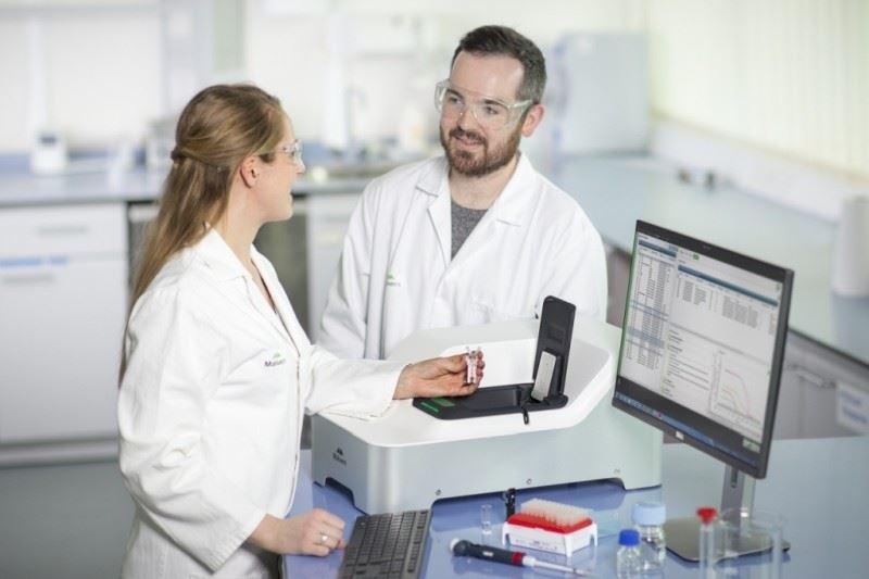 Pomiar nanocząstek w laboratorium Zetasizer Pro